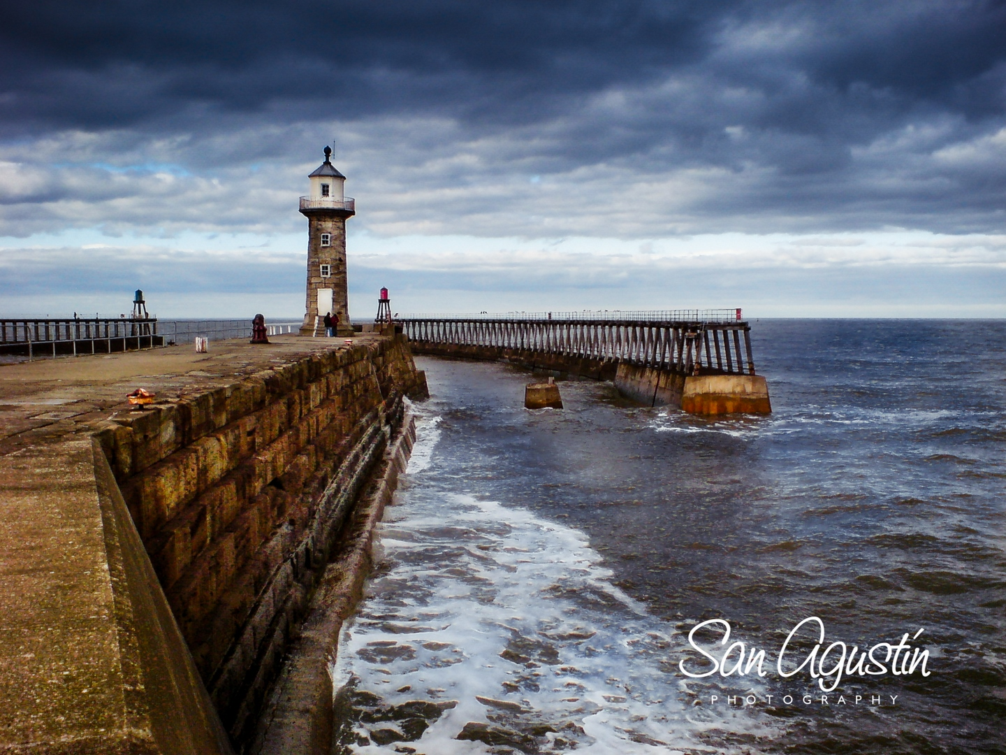 Whitby harbour, Yorkshire - SanAgustinPhoto